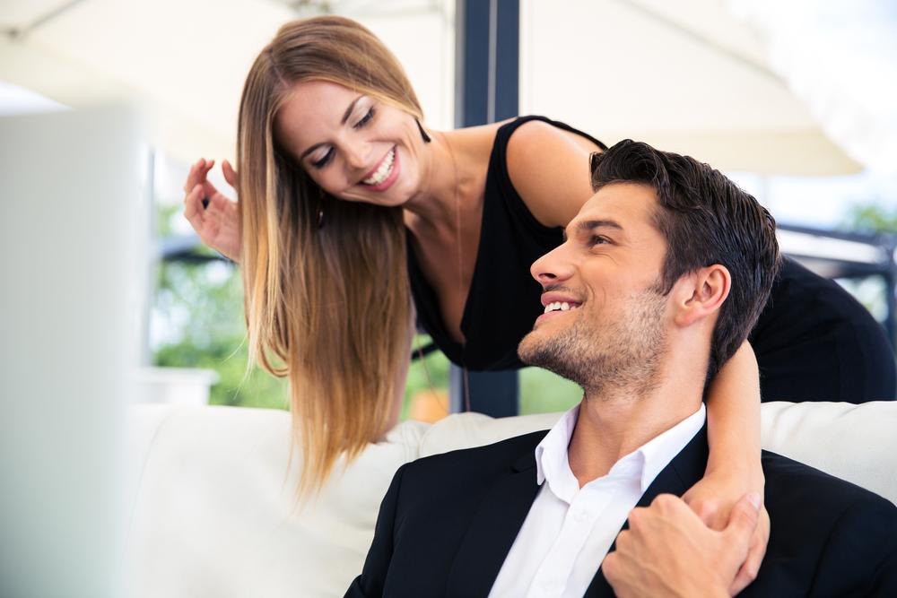 忙しい彼氏に対して女性が出来るのはこの5つ!